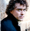 Paul Lewis, klavír